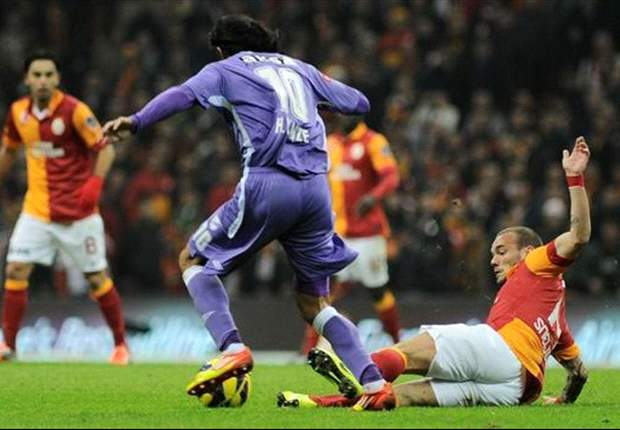 Sneijder e il primo sorriso turco, l'olandese in goal nella rimonta del Galatasaray