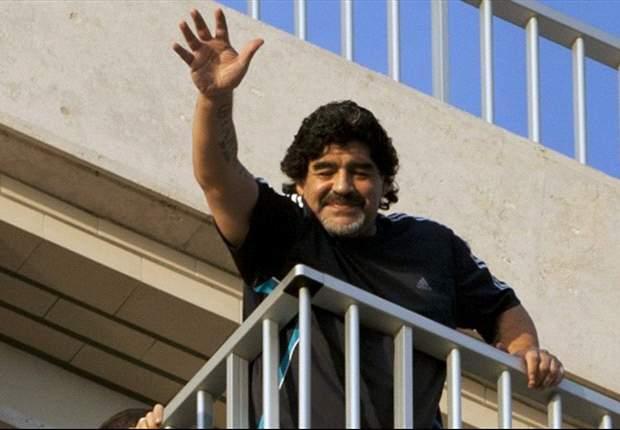 Diego Maradona cree que es mejor que Lionel Messi