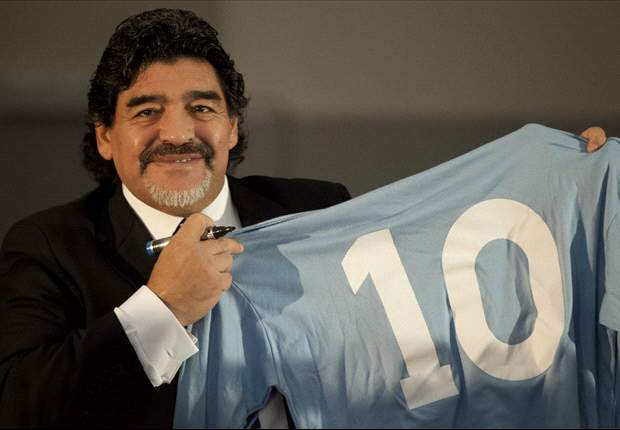 Diego Maradona berharap kembali ke Napoli musim depan