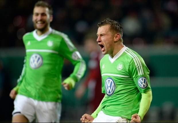 Olic comemora gol do Wolfsburg