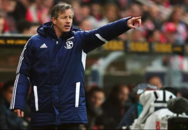 Der FC Schalke 04 muss auch gegen Eintracht Frankfurt ohne Jefferson Farfán antreten – Coach Jens Keller stichelt gegen die Hessen