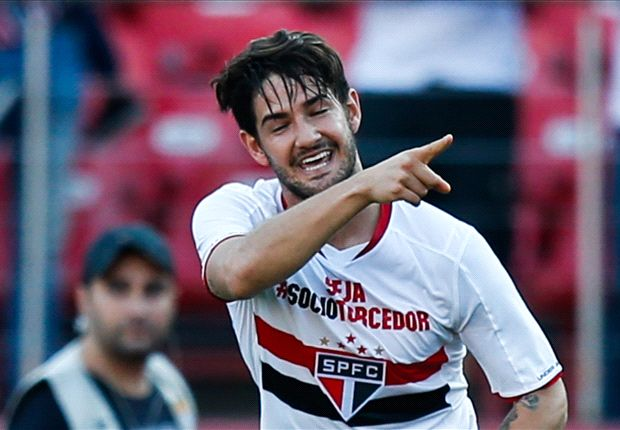 Pato branded 'jowly and chubby' by former Chelsea assistant