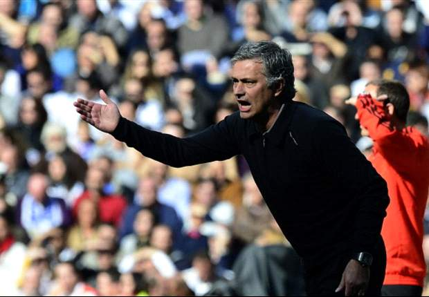 Madrid should hold on to Mourinho if they win the Champions League, insists Santillana