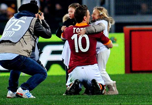 Francesco Totti Bidik Rekor Silvio Piola