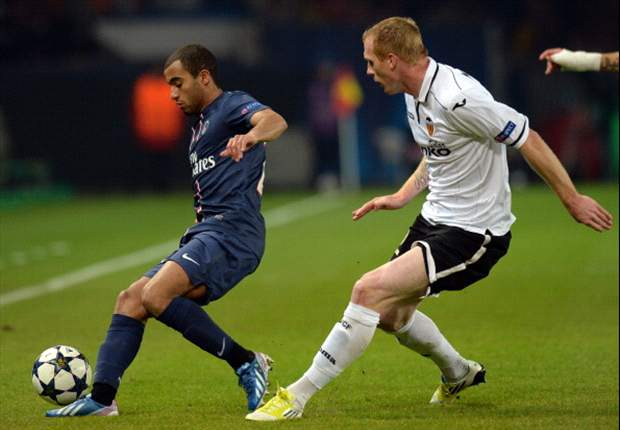 Lucas Moura: Paris Saint-Germain can beat Barcelona