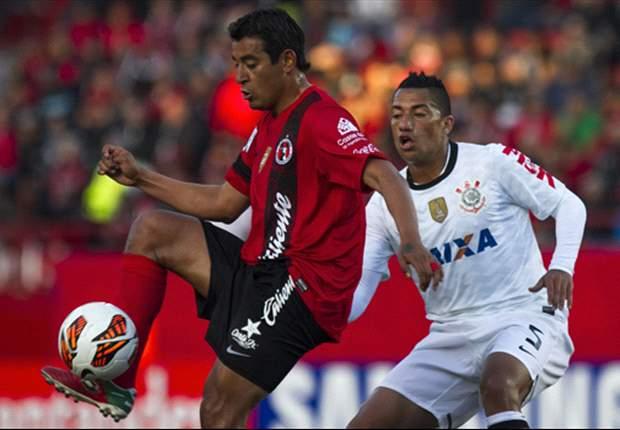 Jugadores de Corinthians evadieron a la prensa tras derrota ante Xolos