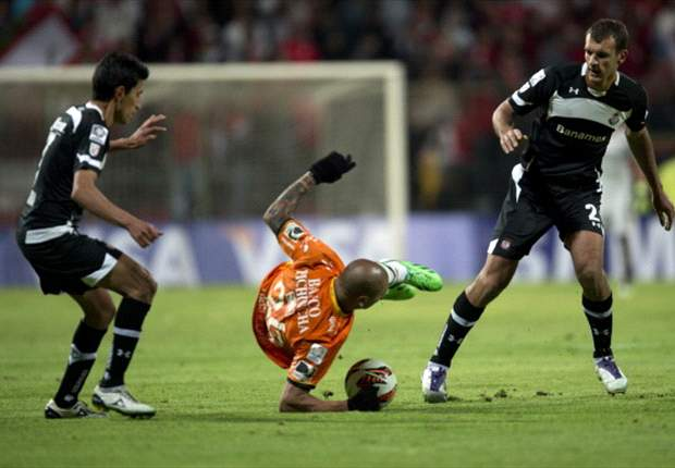 Toluca sigue desperdiciando la localía ante Barcelona SC