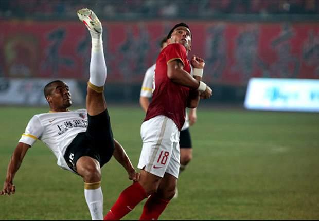 Lucas Barrios ist weder sportlich noch finanziell glücklich in China