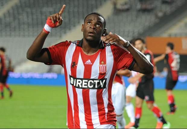 Duván Zapata convirtió 10 goles en 23 partidos en esta temporada con Estudiantes.