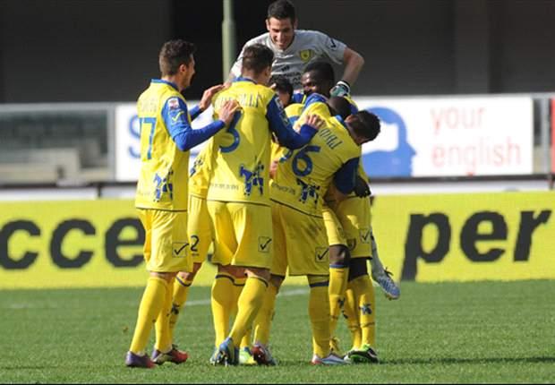 Pescara-Chievo 0-2: Come all'andata Stoian è fatale, il 'Delfino' è con un piede e mezzo in Serie B