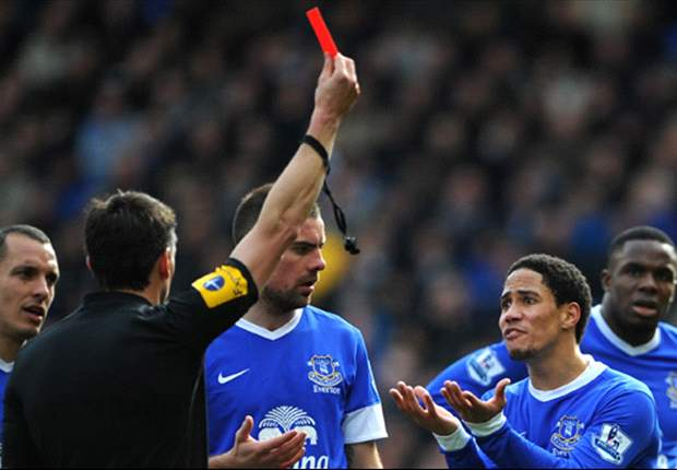 South Africans Abroad: Steven Pienaar sent off at Goodison Park