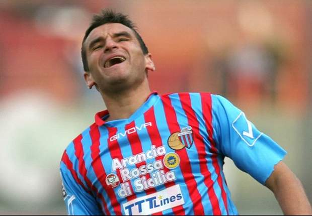Por ahora, Bergessio seguirá en Italia para salvar del descenso al Catania.