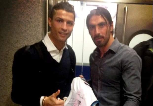 Cristiano Ronaldo dona su camiseta con un fin benéfico