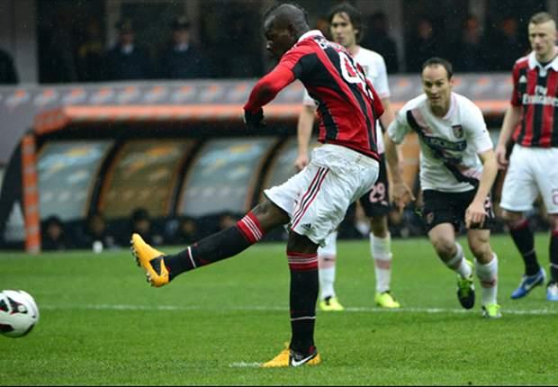 Dos goles de Balotelli revive al Milan ante el Palermo