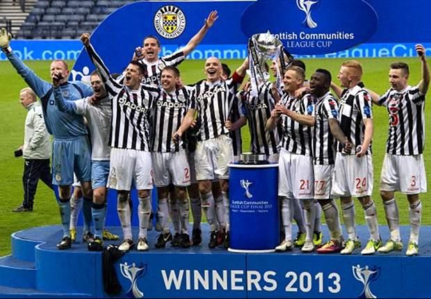 Paul McGowan Bangga Rengkuh Trofi Piala Liga Skotlandia