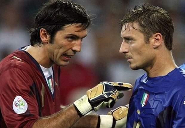 "Gianluigi Buffon: ""Totti aún puede tener futuro en Italia"""
