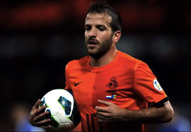 Rafael van der Vaart has been ruled out of the Netherlands' tour of Asia through injury
