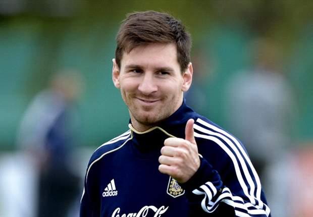 Lionel Messi le tira penales a un portero-robot