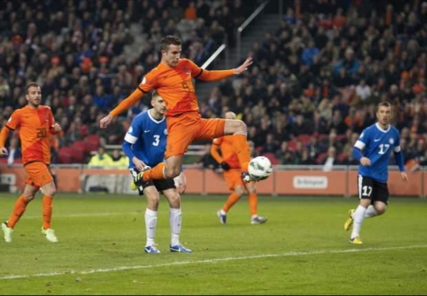 Holanda con un Robin van Persie intratable vence a Estonia