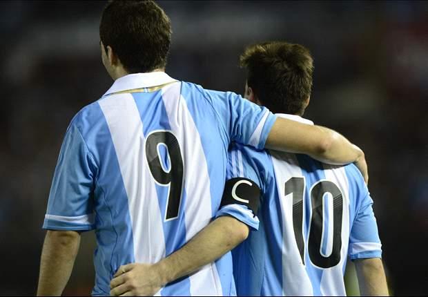 Gonzalo Higuaín y Leo Messi, una pareja que pide a gritos jugar junta