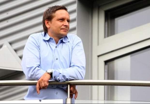 Horst Heldt wird den Kader des FC Schalke 04 verstärken