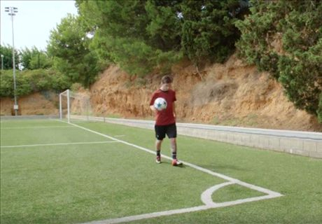 Can Messi hit the bar from a corner?