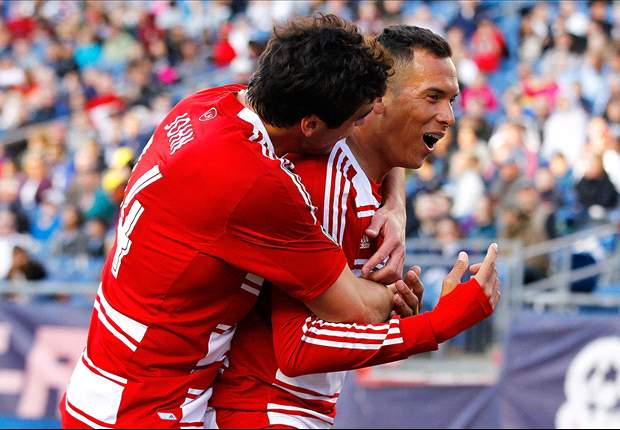 Blas Perez leads FC Dallas past struggling New England Revolution