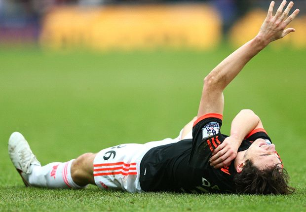 Darmian forced off as Man Utd full-back injury crisis continues
