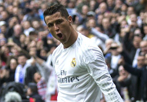 Ronaldo thừa nhận không nói chuyện với Ferdinand, Scholes và Giggs