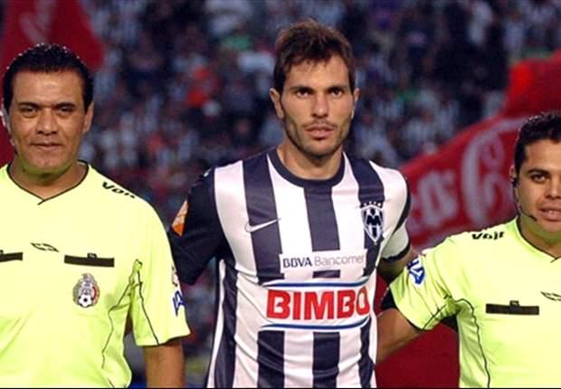 José María Basanta pide atención a Lucas Lobos y Emanuel Villa