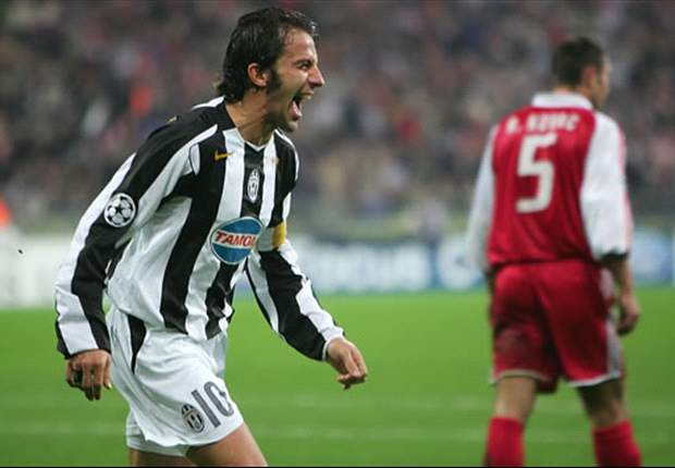 Del Piero celebrando un tanto en la Champions League con la Juventus.