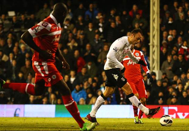 Fulham striker Berbatov admits to targeting 'nervous' Samba