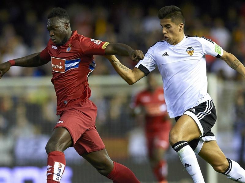 Valence-Espanyol (2-1), Valence gagne enfin