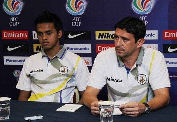 Tampines Rovers coach Nenad Bacina alongside captain Shahdan Sulaiman
