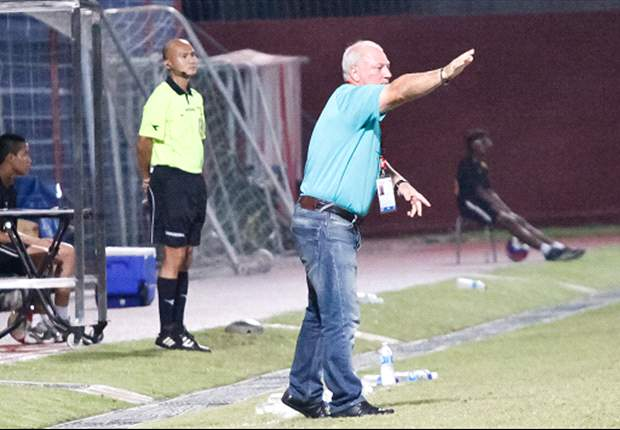 Tanjong Pagar coach Patrick Vallee giving instructions on the touchline