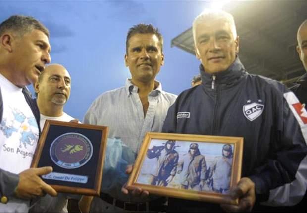 Homenaje a Omar De Felippe