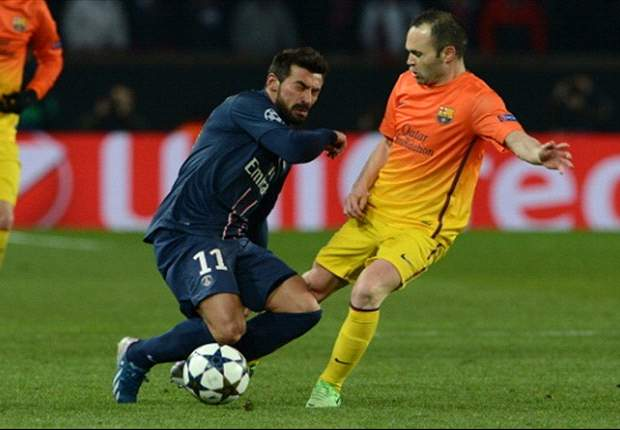 Paris Saint-Germain 2-2 Barcelona: Last-gasp Valdes error keeps French side alive