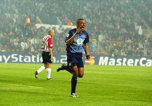 Gilberto Silva - Arsenal v PSV