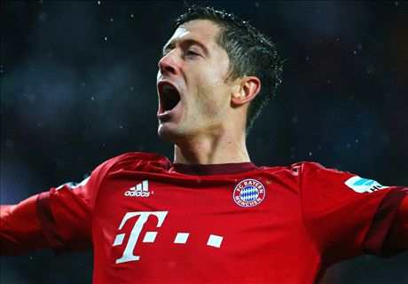 Lewandowski hits Bayern double