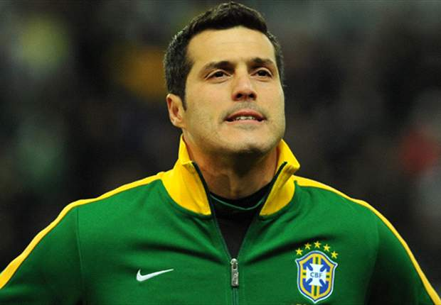 Julio Cesar believes Mario Balotelli would be scared to take a penalty against him