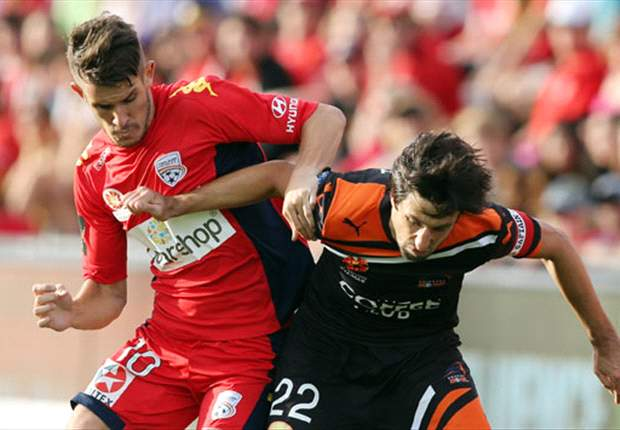 Adelaide United 1-2 Brisbane Roar: Champions hold on