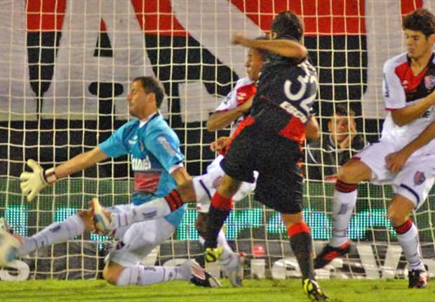 El delantero de Colón llegó a los siete tantos y es el goleador del Torneo Final 2013.
