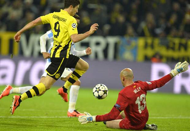 Borussia Dortmund 3-2 Malaga (Agg 3-2): Reus & Santana net in injury-time to seal victory in breathless encounter