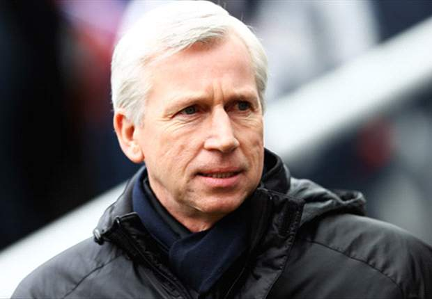 Newcastle boss Pardew happy with Kinnear appointment