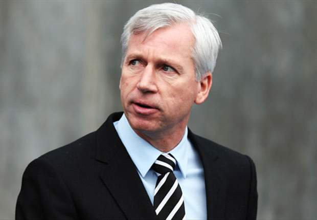 Pardew to hold talks with Newcastle owner Mike Ashley over future