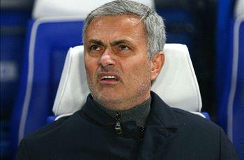 RUMORS: Chelsea's bizarre reason to delay Mourinho's Man Utd appointment