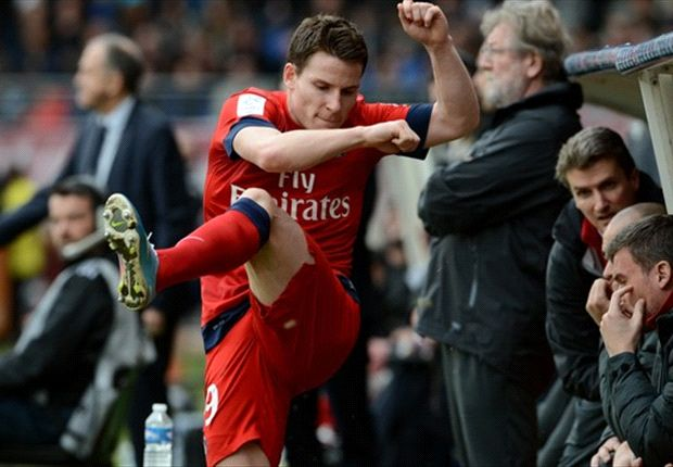 Gameiro eyes Sevilla switch