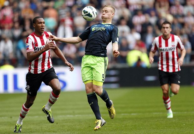 Ajax Mulai Jauhi Para Pesaing