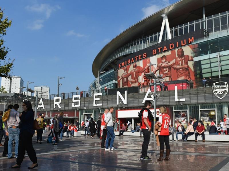 Niente posti vuoti all'Emirates: l'Arsenal ritira la tessera a chi non va allo stadio