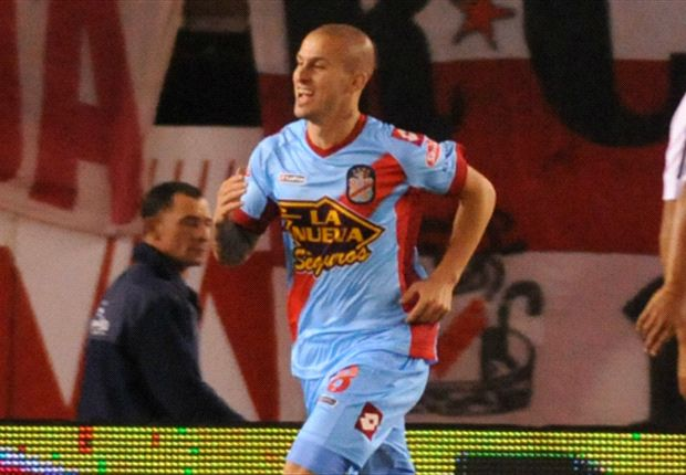 Dario Benedetto joins Club Tijuana from Arsenal de Sarandi.